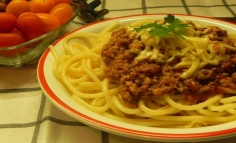 Spaghete bologneze