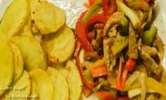 Muschiulet de porc cu legume si cartofi prajiti
