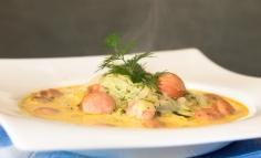 Supă de varză cu crenvurști și mărar