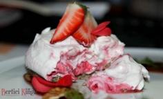 Cheesecake cu înghețată de zmeură ...