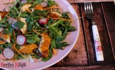 Salată cu șnițel