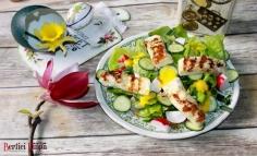 Salată cu cașcaval Halloumi