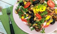 Salată cu ciuperci prăjite