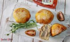 Chifle umplute cu carne de hamburger