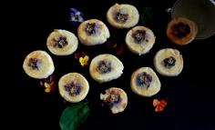 Biscuiți cu unt și violete